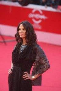 Una splendida Asia Argento sul red carpet romano