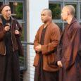Pace e consapevolezza. Questa la sintesi della lezione tenuta dai tre monaci...