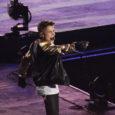 """L'anfiteatro romano ha ospitato per il terzo anno consecutivo il """"Galà della Lirica"""".  Lo show è stato presentato da Antonella Clerici e ha mischiato le grandi opere al pop. Tanti big come ospiti, da Domingo a Emma, dal Trio """"Il Volo"""" a Venditti. Ma chi ha davvero fatto furore è stato l'attesissimo new talent canadese Justin Bieber."""